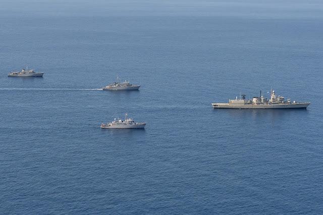 Η Τουρκία ερευνά τα ελληνικά πολεμικά πλοία που βγήκαν στο Αιγαίο