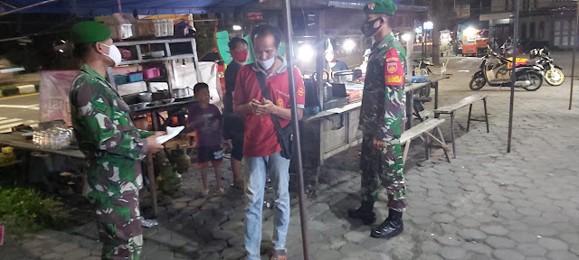 Anggota Koramil 02 Jogonalan Patroli Tegakkan Disiplin Penerapan Protokol Kesehatan