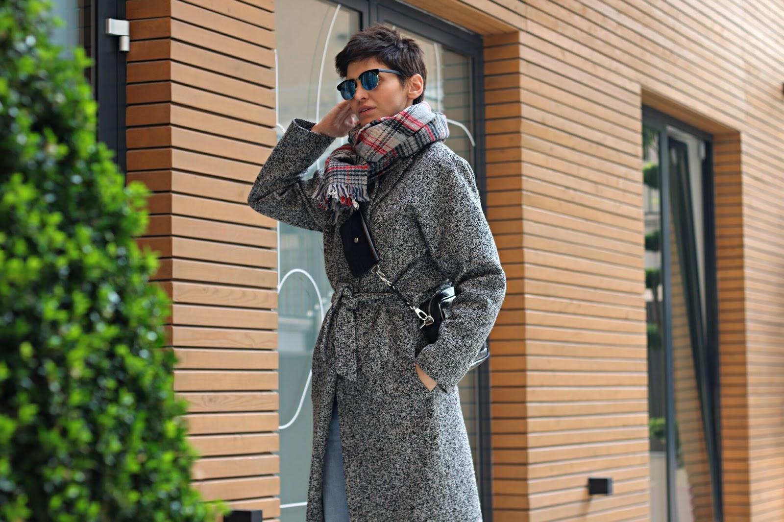 Codzienna stylizacja - ulubiony klasyczny płaszcz