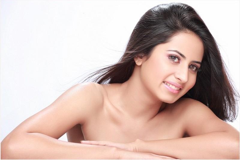 Attractive Sargun Mehta Nude Pic Pic