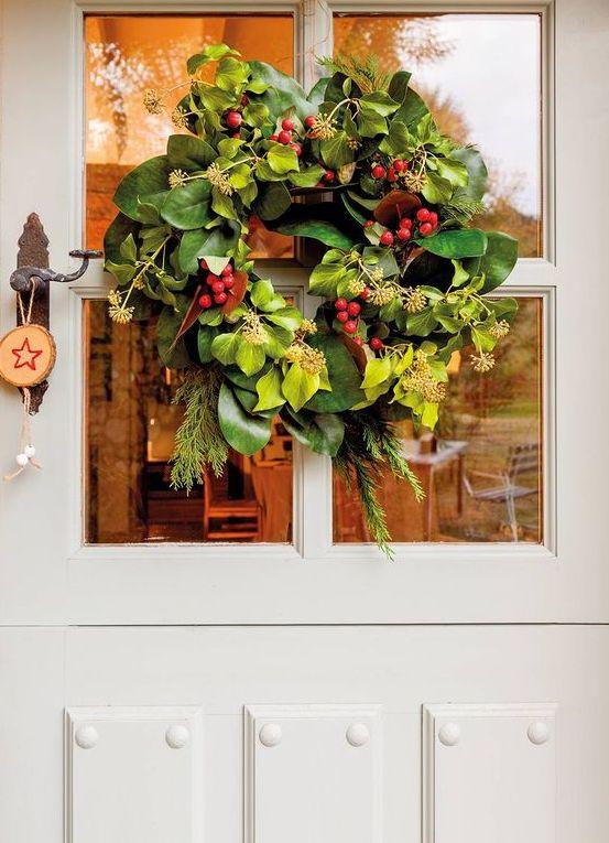 7 Τρόποι για να φτιάξετε Χριστουγεννιάτικα Στεφάνια με φυσικά κλαδιά