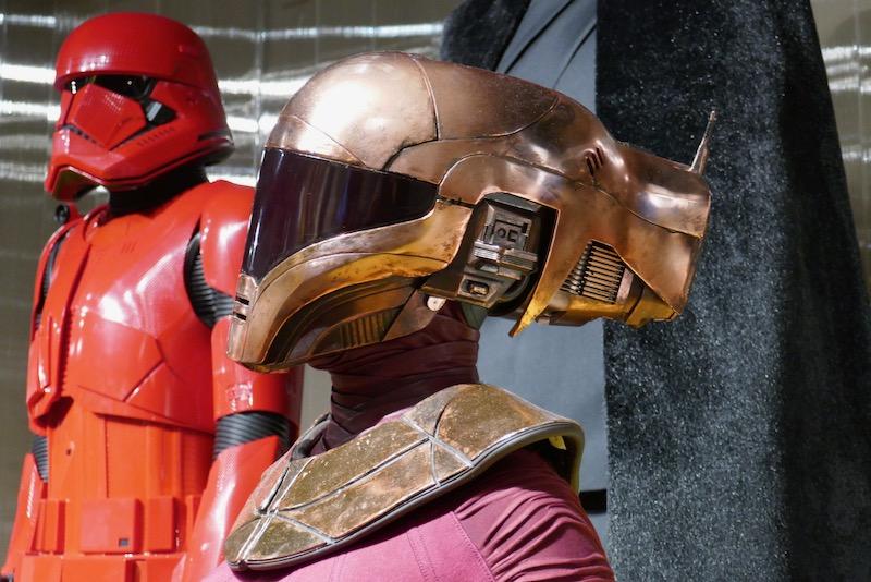 Star Wars Rise of Skywalker Zorii Bliss costume helmet