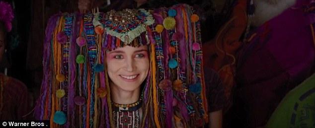 Tiger Lily ou Tigrinha, figurino Peter Pan filme 2015, chapéu com franjas