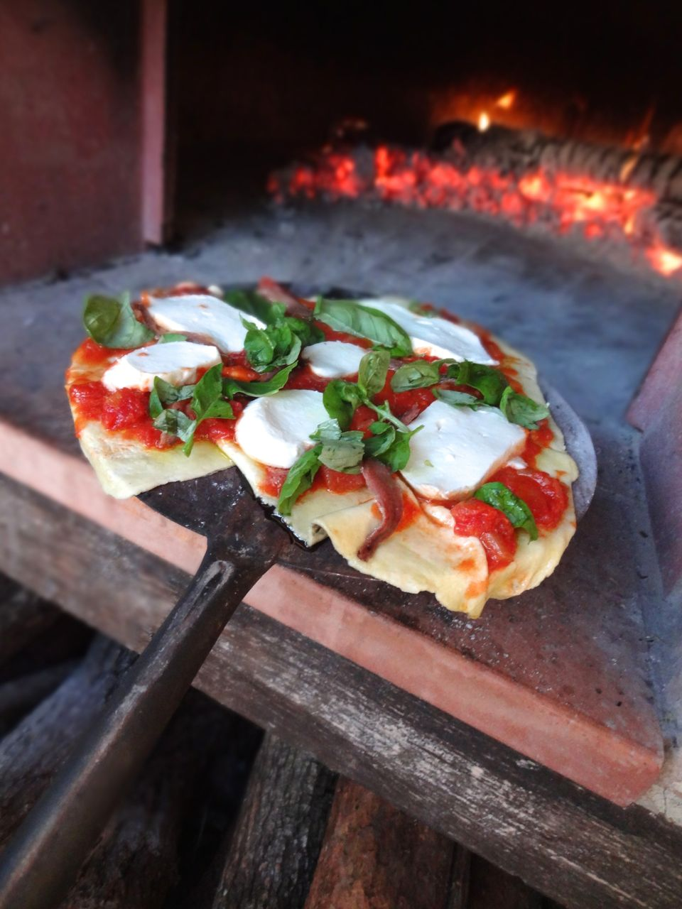 scrumpdillyicious guy s wood fired umbrian pizza margherita
