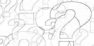 punti interrogativi in bianco e nero