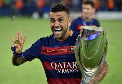 Alves sẽ rời Barca trong mùa này