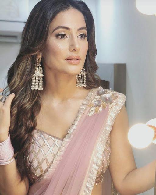 Hina Khan beautiful photos in saree