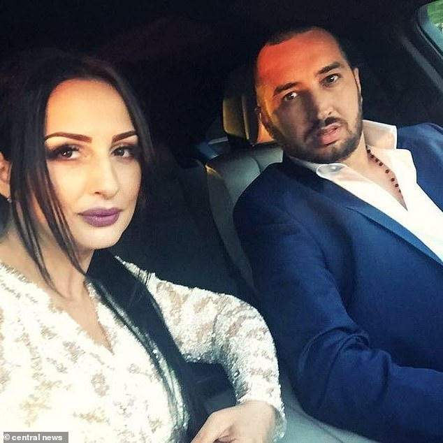 Una coppia rumena usa il figlio di 6 anni per rubare un orologio d'oro da 70.000 euro a Londra