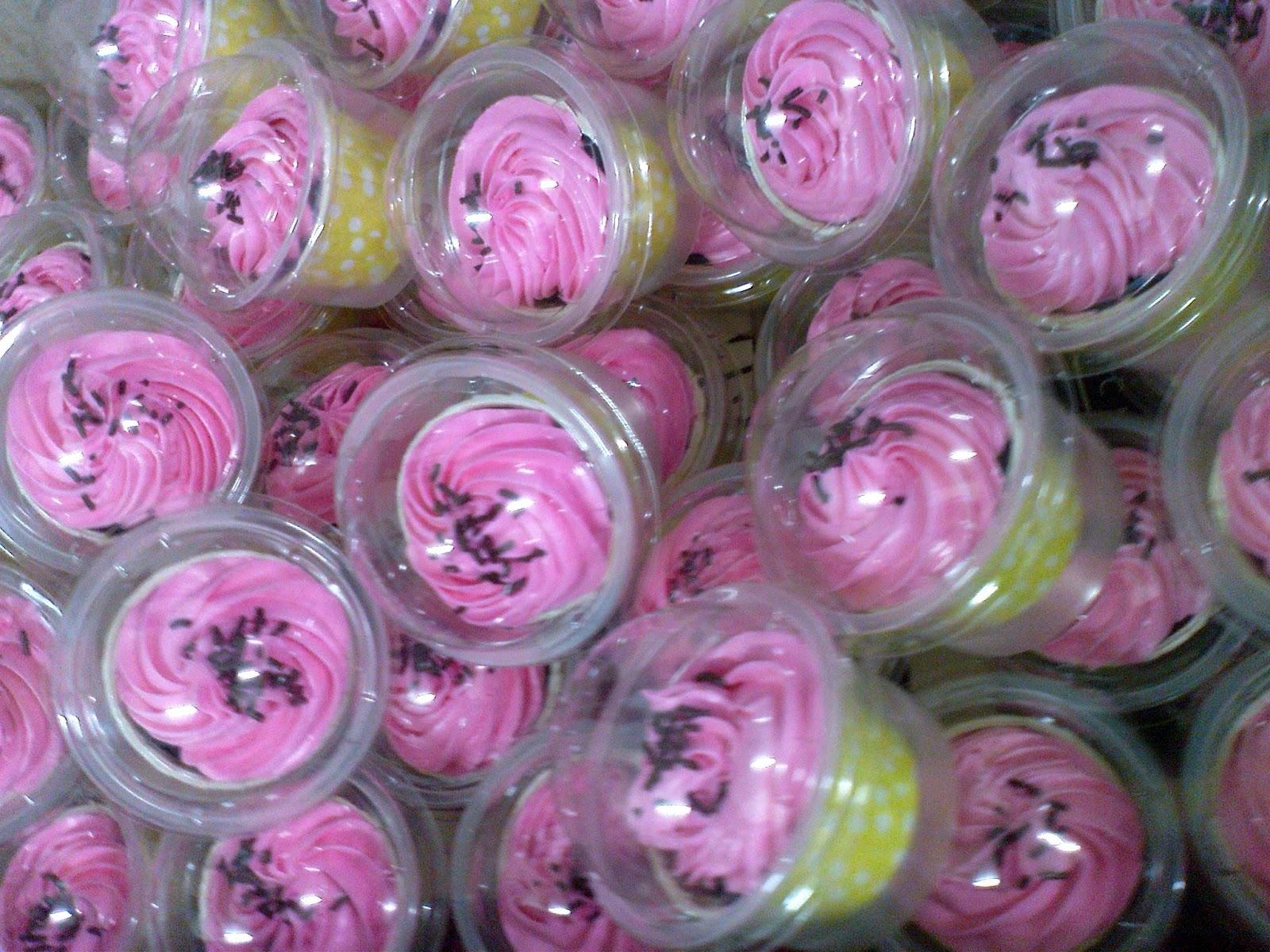 Wedding Door Gift Murah: Cupcake Murah! Door Gift! Rm 1.50 Satu!!