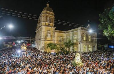 Romaria da Penha reúne milhares de fiéis na noite deste sábado, em João Pessoa