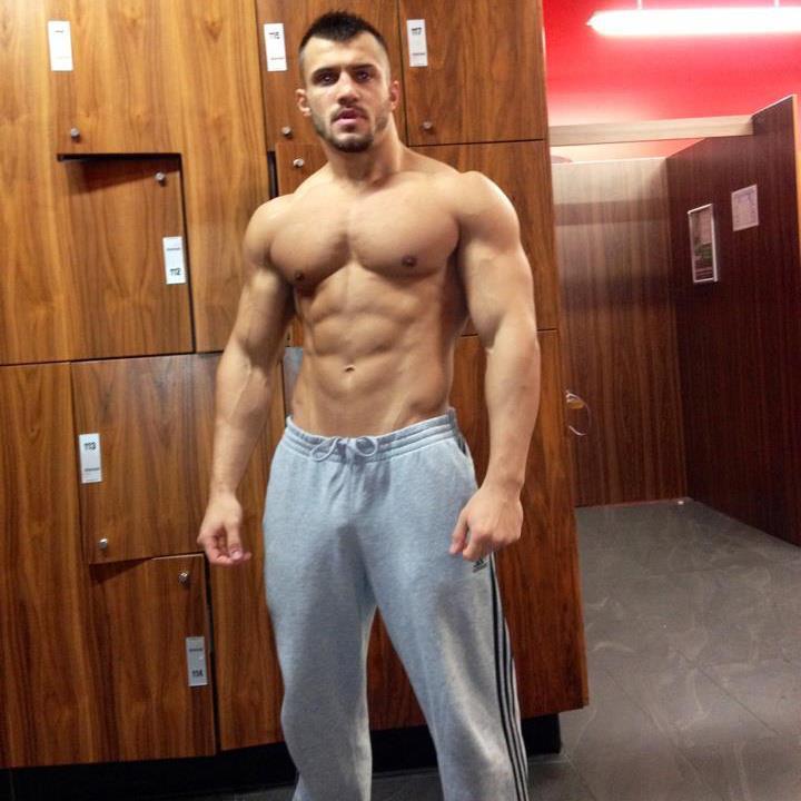 sexy-masculine-guys-fit-shirtless-muscular-body-locker-room
