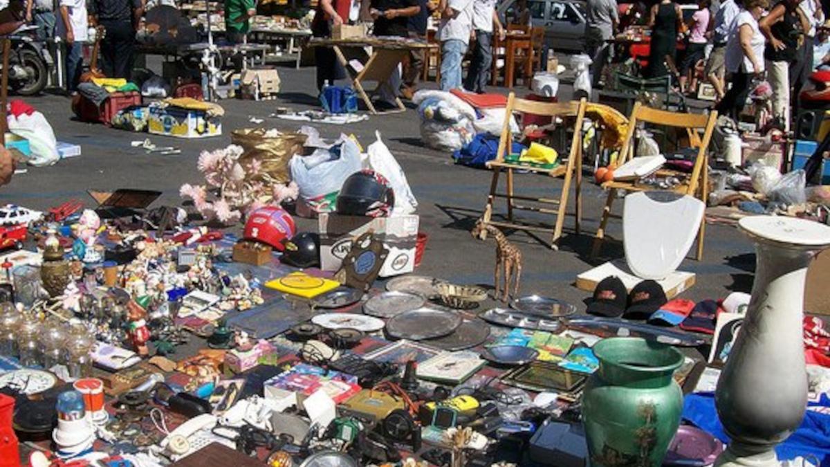 mercatino delle pulci Catania oggetti rubati Polizia di Stato