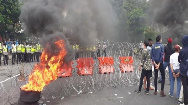 Mahasiswa Bongkar Masa Lalu Jokowi: Dulu Bapak Ngemis-ngemis Suara ke Kami