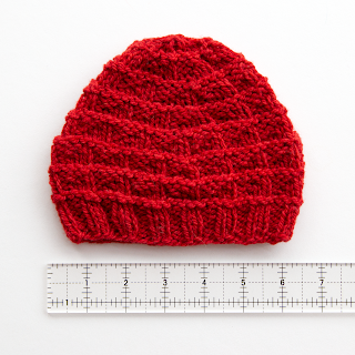 free knitting pattern - triangle rib baby hat