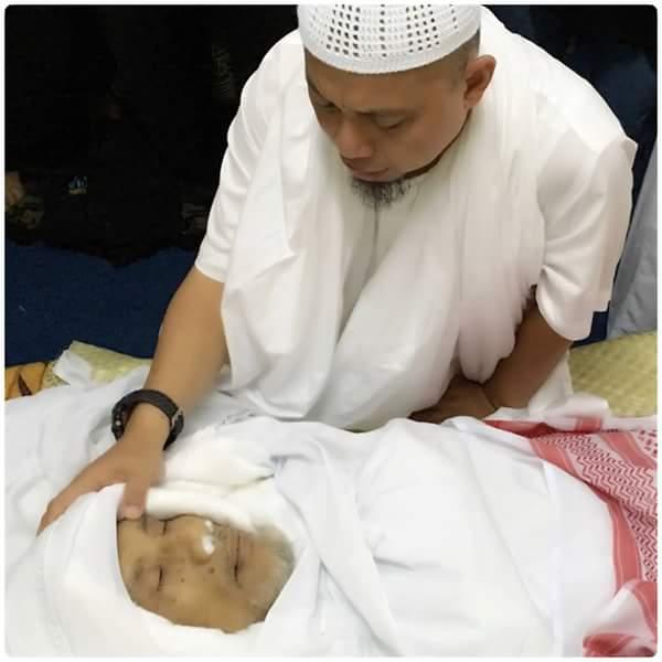KH Ruslan Efendi sang Qur'an Bejalan Tutup Usia