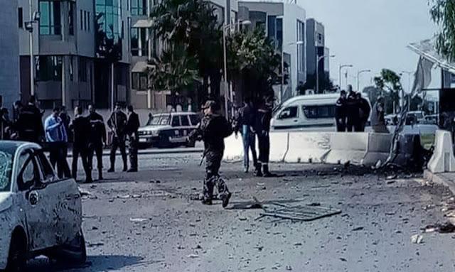 تفجير ارهابي امام السفارة الأمريكية إصابة 5 أعوان أمن