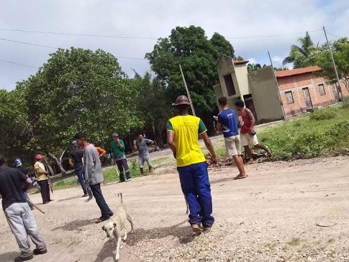 Prefeitura Municipal de Mata Roma disponibilizou diárias para serem feitas limpezas nas vias públicas do município.