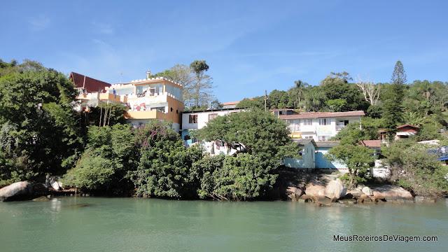 Hostels e casas no canal da Barra da Lagoa - Florianópolis