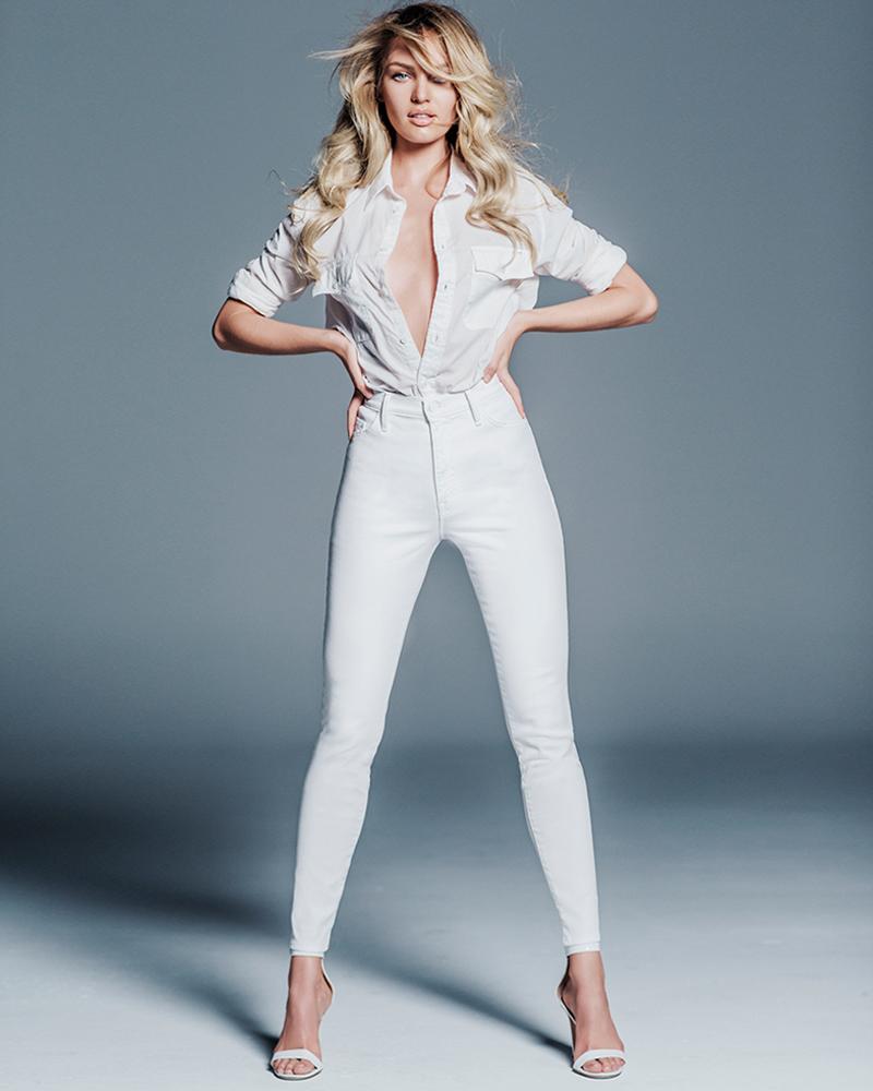 Model Seksi Afrika Candice Swanepoel kulit putih