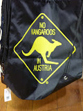 inscriptie pe un saculet: no kangaroos in Austria