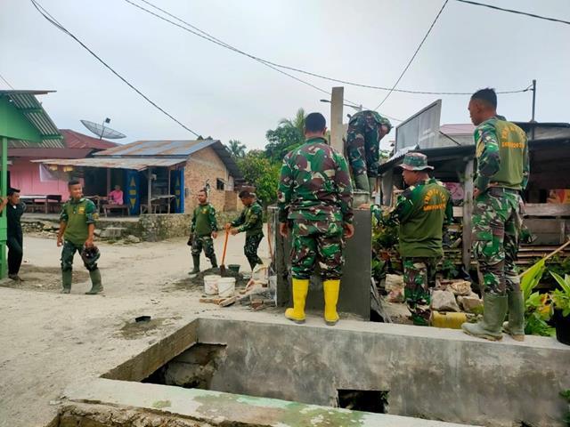 Tugu TMMD Ke-112 Kodim 0207/Simalungun Dibangun Personel Satgas Bersama Masyarakat