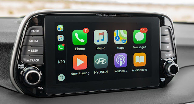 tucson-ultimate-trim-screen-display-infotainment-system