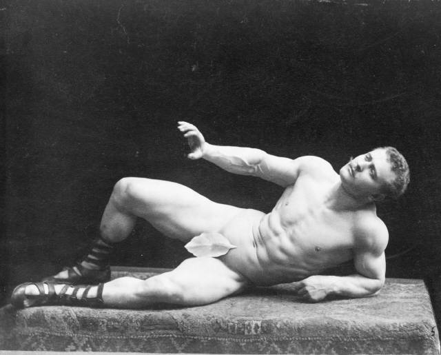 Photo 1894 of strongman Eugen Sandow by Benjamin Falk