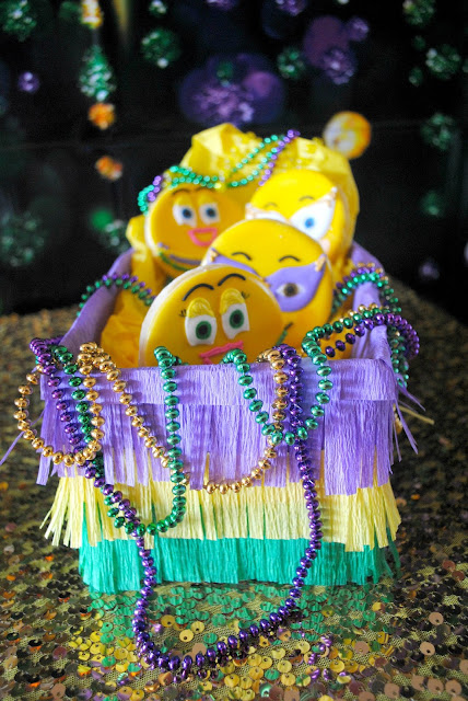 Emojinal cookie Mardi Gras float. Like this party? More ideas can be found at www.fizzyparty.com