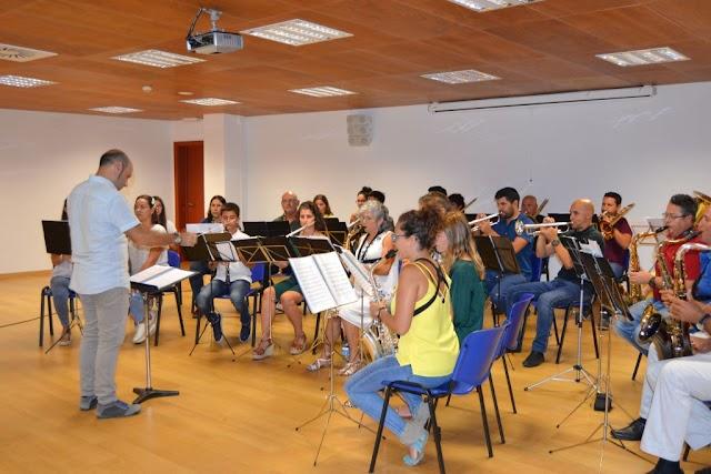 Fuerteventura.- La Escuela Insular de Música incorpora dos nuevos profesores de violonchelo y de coros - música y movimiento