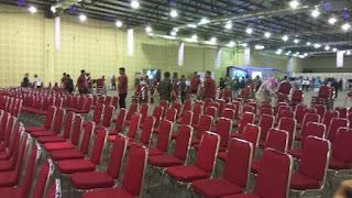 Acara yang Dibuka Jokowi Sepi Pengunjung, Kursi Disingkirkan