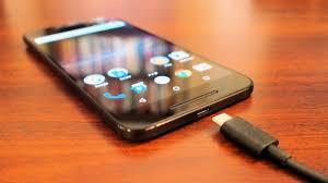 حيلة ذكية ورائعة لشحن الهاتف المحمول أسرع من المعتاد!