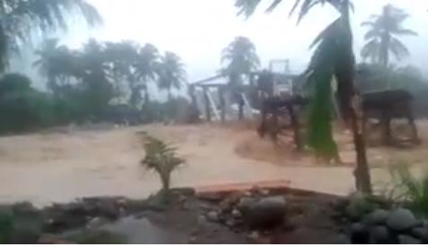 Kota Padang Dilanda Banjir Bandang, Gempa Magnitudo 5 Guncang Poso!