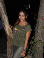 Sri reddy Sizzling photo shoot gallery-cover-photo
