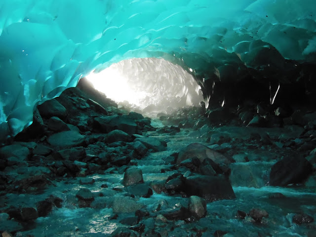 Mendenhall_Ice_Caves