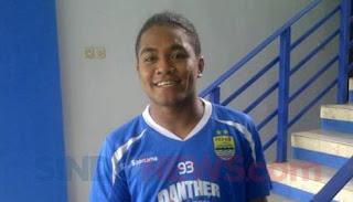 Billy Keraf Isi Peran Febri Hariyadi di Persib Bandung