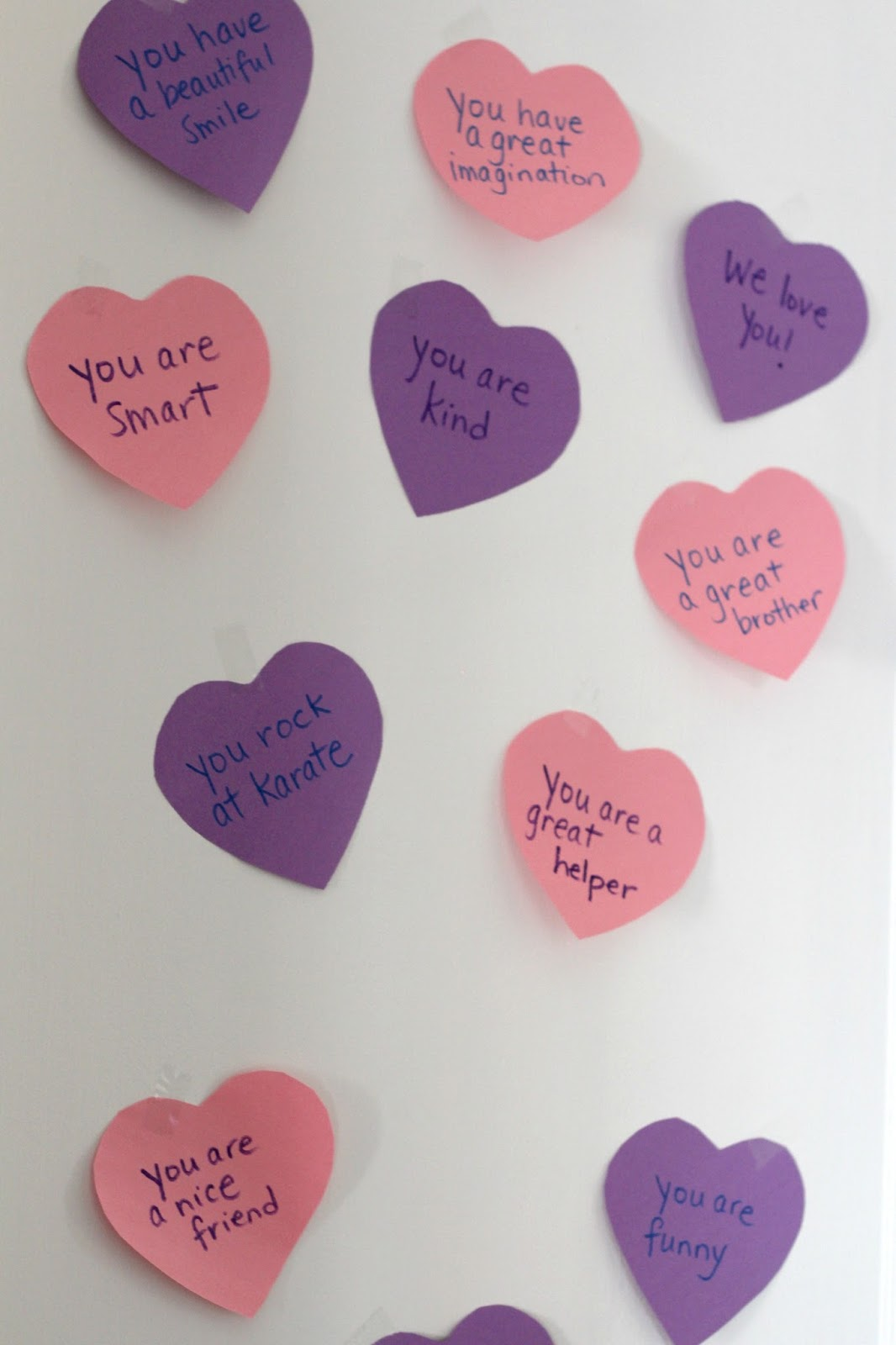 Each night before you go to bed just stick a new heart on their door for when they wake up. Youu0027ll make their hearts smile ) & Keep it Beautiful Designs: DIY VALENTINE DOOR HEARTS