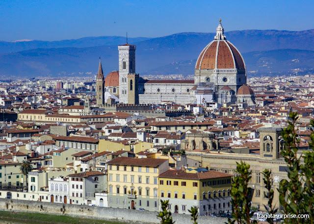 A Catedral de Florença vista da escadaria da Igreja de San Miniato