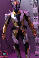 S.H. Figuarts Kamen Rider Thouser 21
