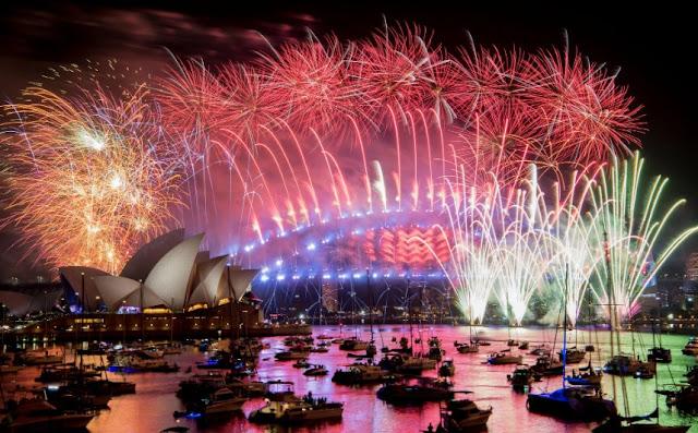 दुनिया भर में नए साल 2020 के जश्न की धूम है