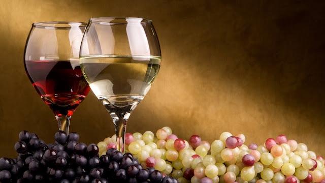 العنب وصنع الخمر والنبيذ