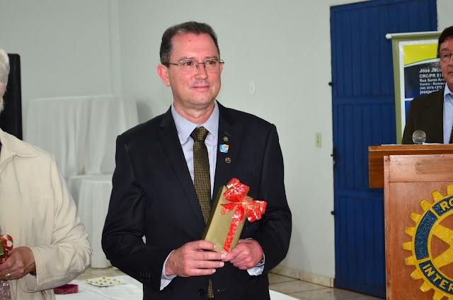 Jurandir de Andrade assume presidência do Rotary Club de Roncador