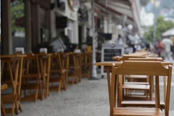 Novo decreto do Governo do Estado proíbe bares e restaurantes de abrirem durante o final de semana