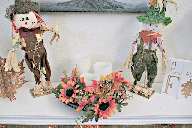 Fall Mantle Makeover ideas, Mantle decor for fall, Budget friendly mantle decor, Fall decor on a budget, Michaels fall decorations, Dollar Tree Fall decorations, Target fall decor