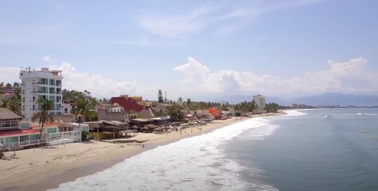 Playa de Bucerias en un dia Soleado