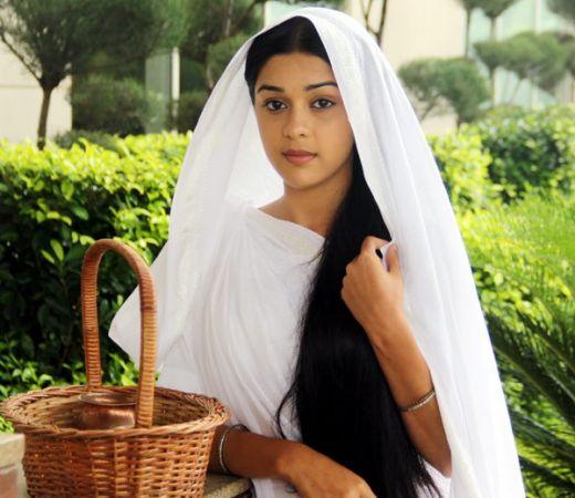यहां सुहागन महिलाएं पति के जिंदा होने पर भी बिताती है विधवा की जिंदगी, वजह जानकर होंगे हैरान