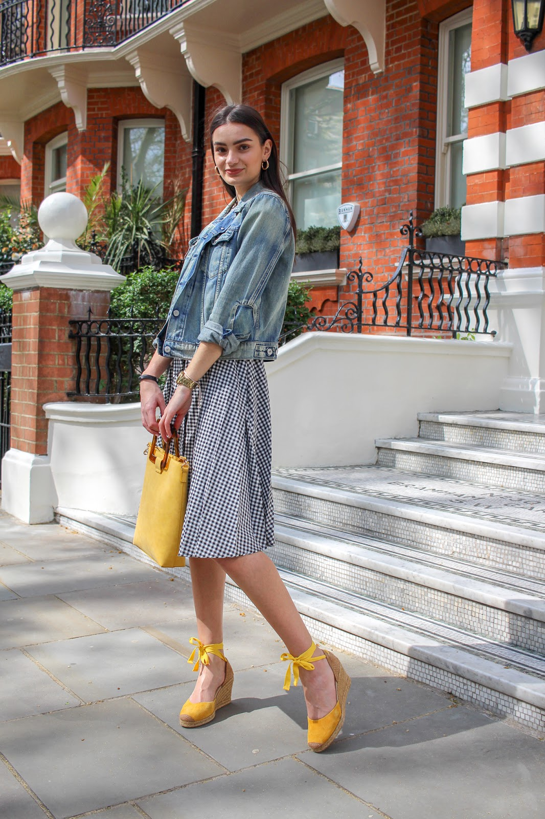 gingham spring street style