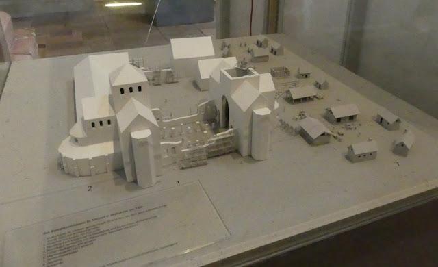 Hildesheim - St. Michaelis: Klosteranlage um 1000 n.Chr.