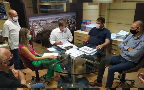 Prefeitura anuncia adesão ao consórcio para compra de vacinas contra a Covid-19
