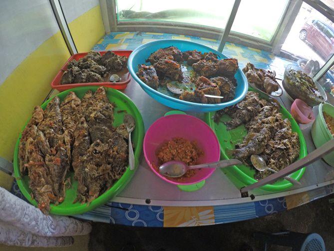Aneka laut di Warung bu Sirwanto Nanggulan