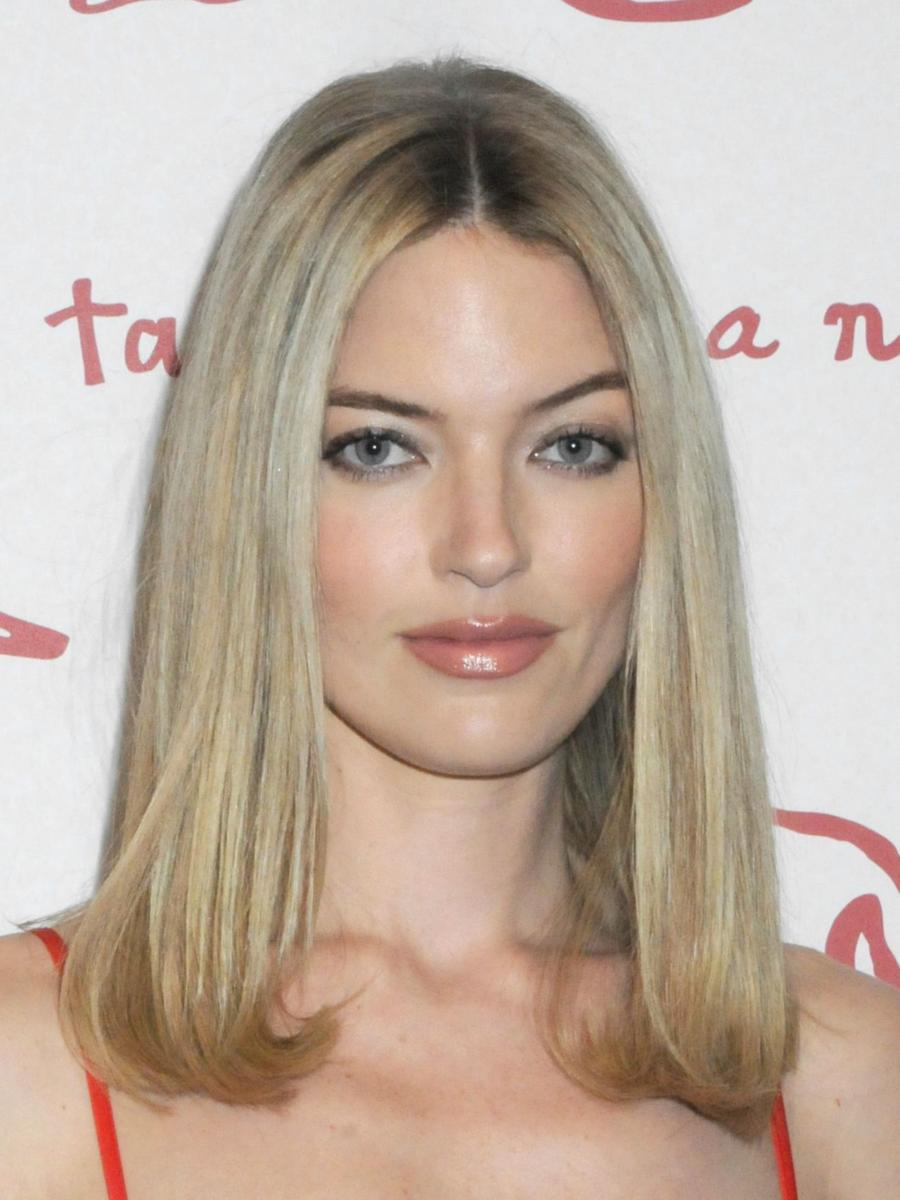 Martha Hunt at Academy Of Arts Take Home A Nude Art Party And Auction